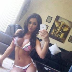 Gisele from Odell, Oregon is looking for adult webcam chat