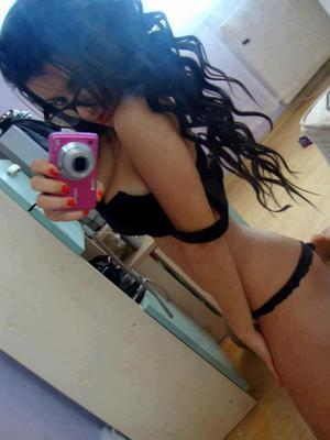 Alfreda is looking for adult webcam chat