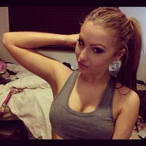 Vannesa from Illinois is looking for adult webcam chat