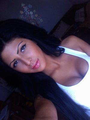 Nelly is looking for adult webcam chat