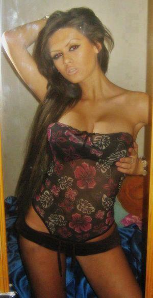 Carri is looking for adult webcam chat