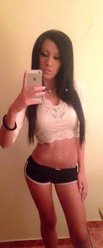 Yuette from Suffolk, Virginia is looking for adult webcam chat