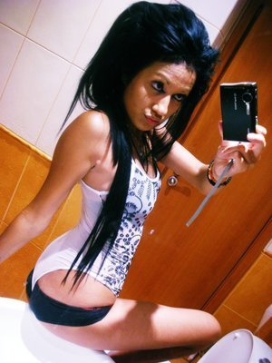 Jalisa from Baltic, Connecticut is looking for adult webcam chat