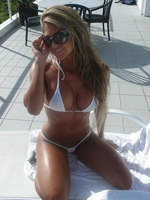 Joselyn from San Diego, California is looking for adult webcam chat