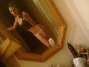 Leonore from North Carolina is looking for adult webcam chat