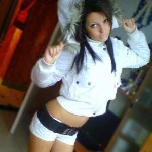 Madlyn from Mc Lean, Virginia is looking for adult webcam chat