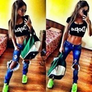 Alesha from Boaz, Alabama is looking for adult webcam chat